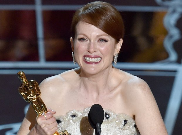 Julianne Moore win at the Oscars