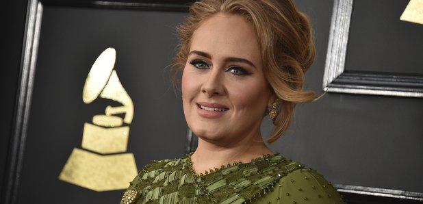 Adele arrives at the Grammy Awards 2017