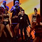 Robbie Williams LIVE BRITs 2017